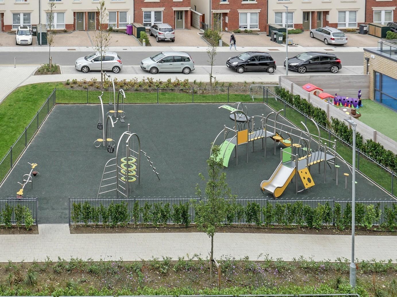 Play Park Blog Picture Place zabaw z atestem - jakie wymogi powinien spełniać nowoczesny plac zabaw?