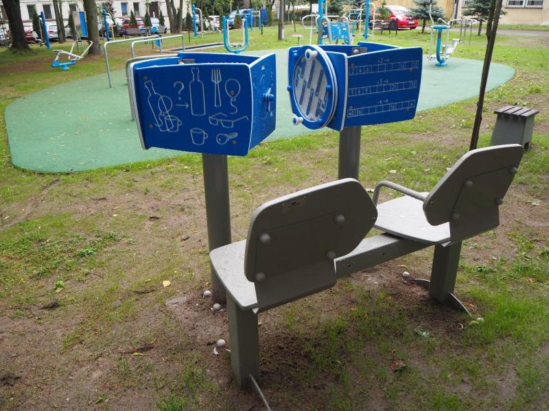 Plac zabaw Zestaw podwójny ławka z tablicami do ćwiczenia pamięci Play Park