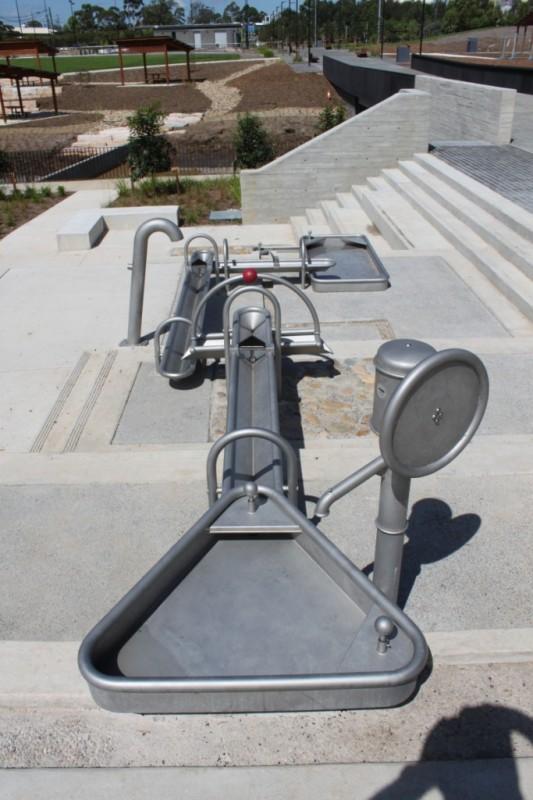 Plac zabaw Trójkątny stół wodny 0,75 m PLAY-PARK