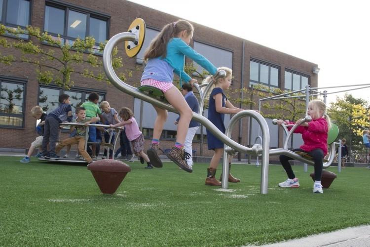 Play Park Blog Picture Zabawki na  plac zabaw - przyjazna przestrzeń  dla dzieci